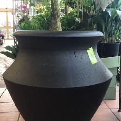 Large light-weight Pot